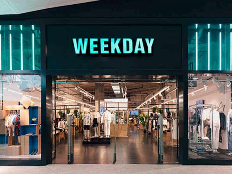Weekday store front offer
